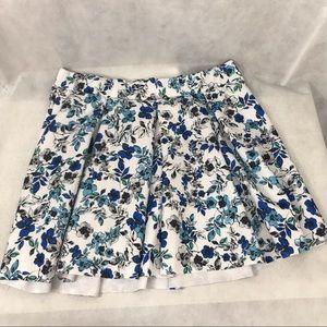 Torrid, 3X, white floral skirt, too cute!